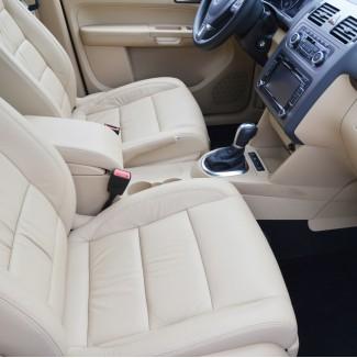 Πως να καθαρίσετε & να συντηρήσετε σωστά το δερμάτινο σαλόνι του αυτοκινήτου σας!